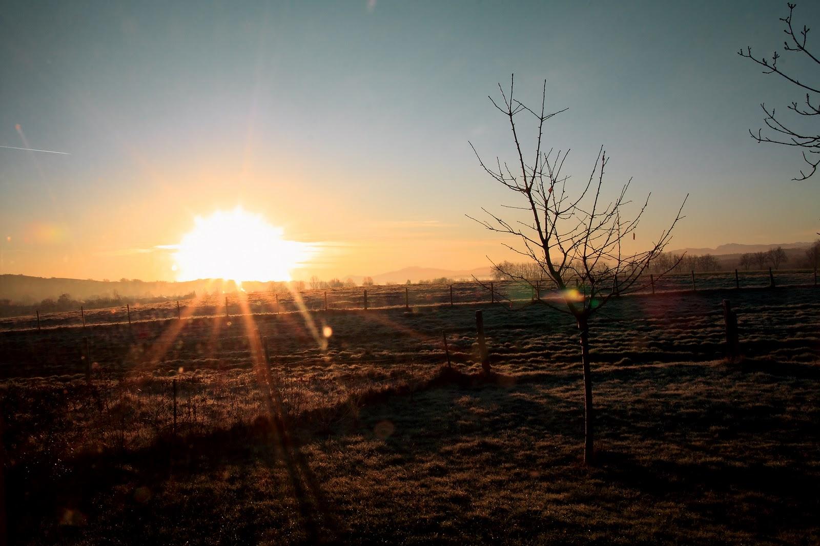 le soleil se leve de quel cote