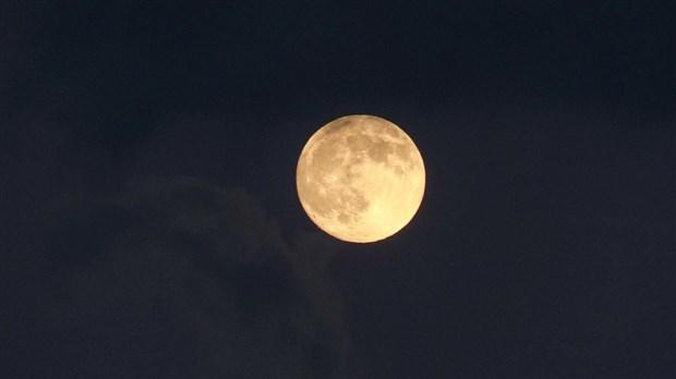 lune jaune