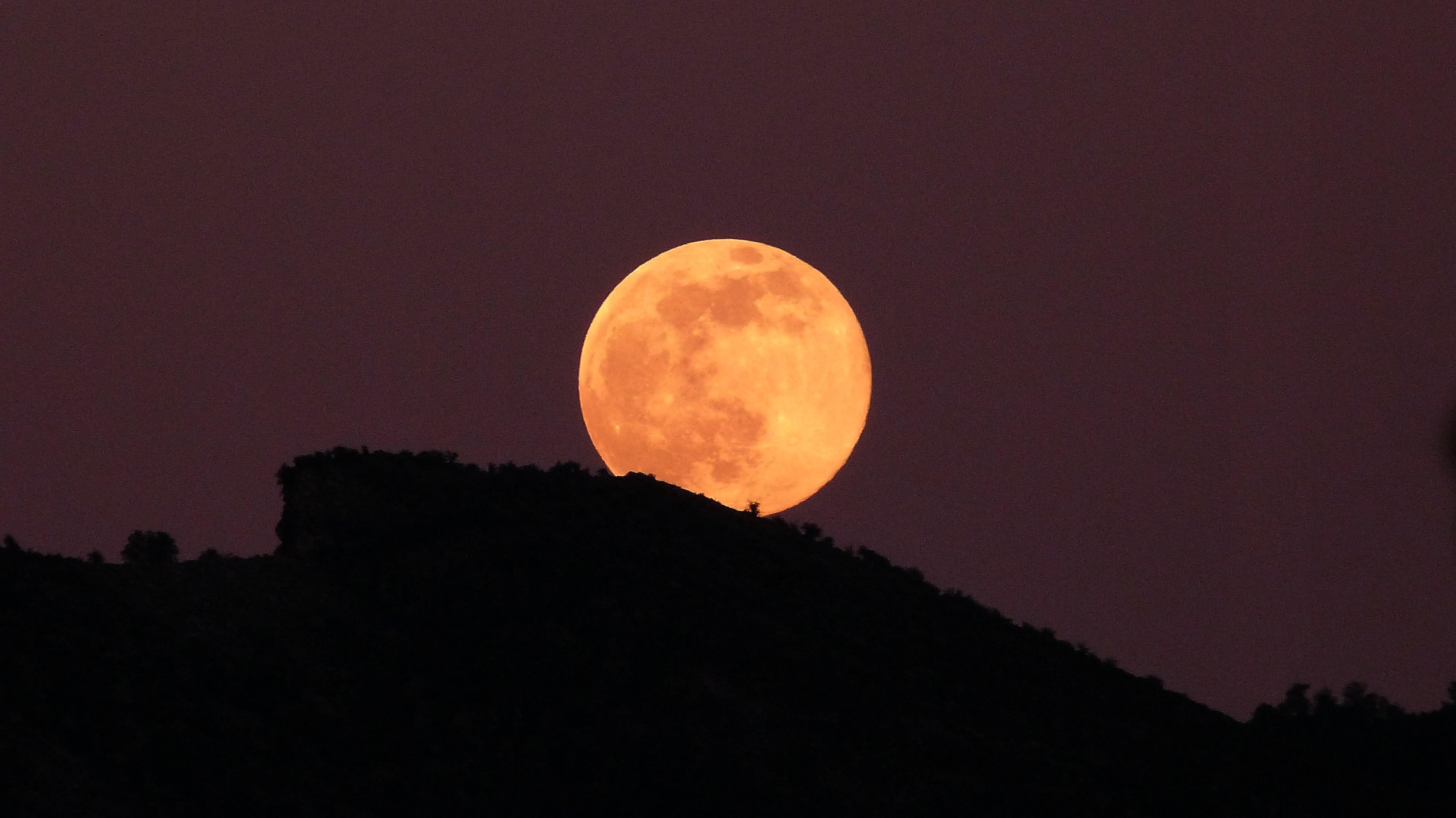ou se leve la lune
