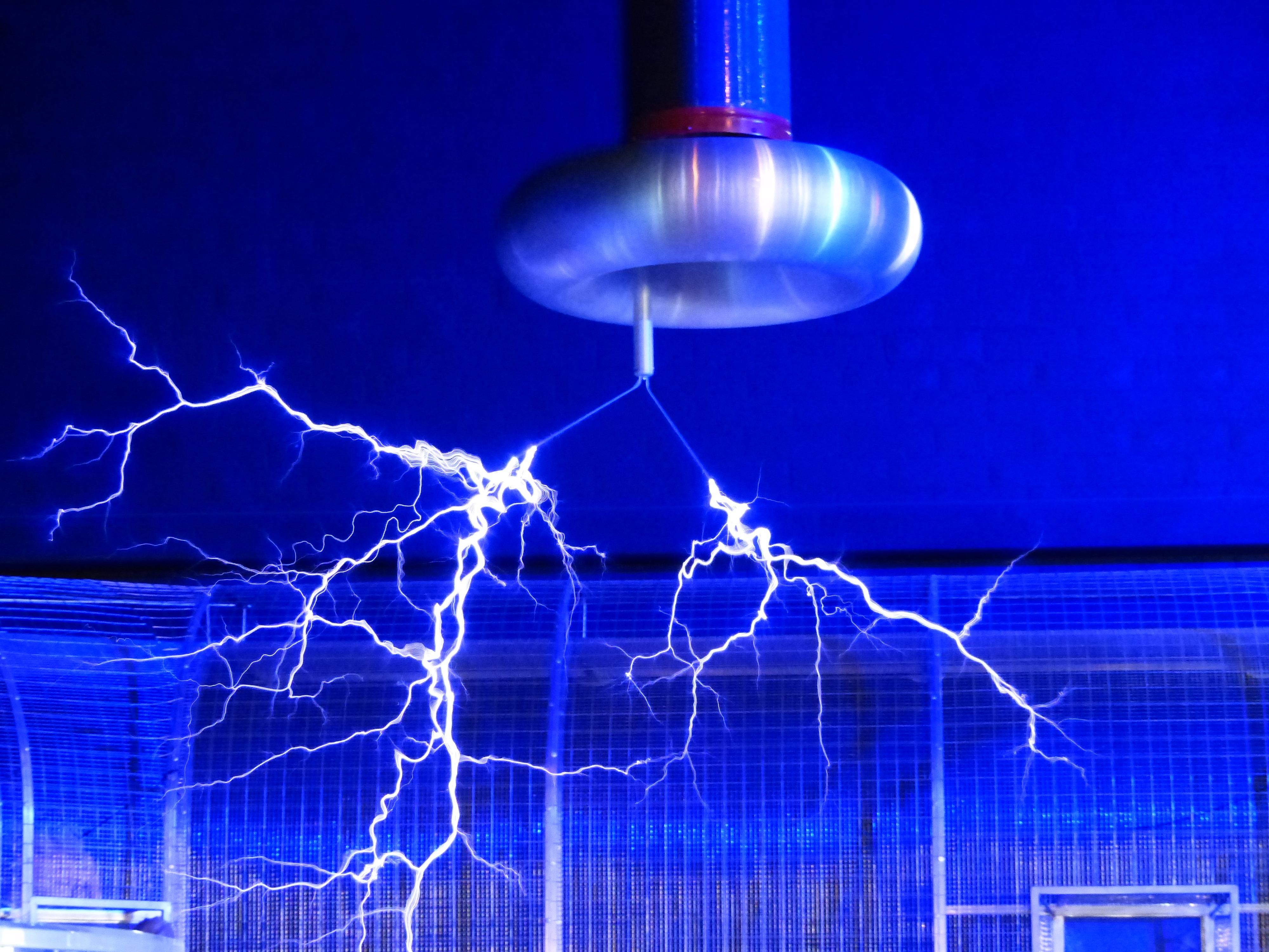 tesla electricite