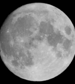 planete lune