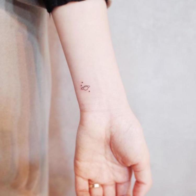 tatouage planete